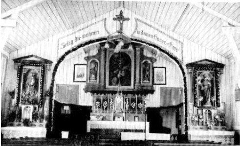 Altarraum der Notkirche