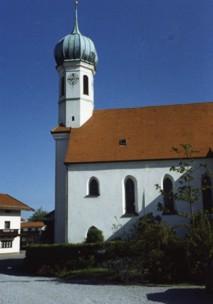 Außenansicht Kirche St. Nikolaus Pfraundorf