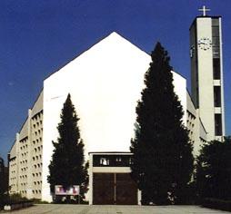 Bernhard_Fassade