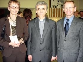 Sr. Maria Stadler mit Bischof Werth zu Besuch in St. albertus Magnus