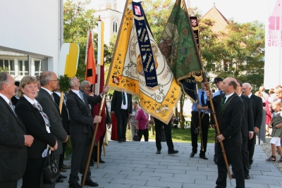 100-Jahr-Feier: Fahnengruß