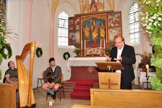 Pfarrer Salzeder re Familie Holzner