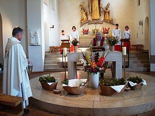 Messfeier in St. Otto zu Mariä Himmelfahrt