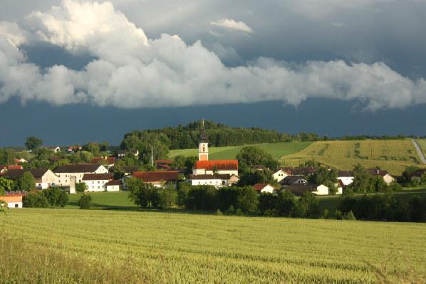 2012 Dorf nach Gewitter