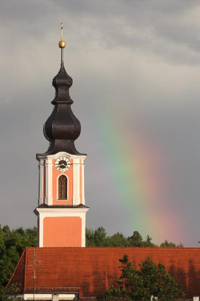 2012 Kirche Regenbogen rechts