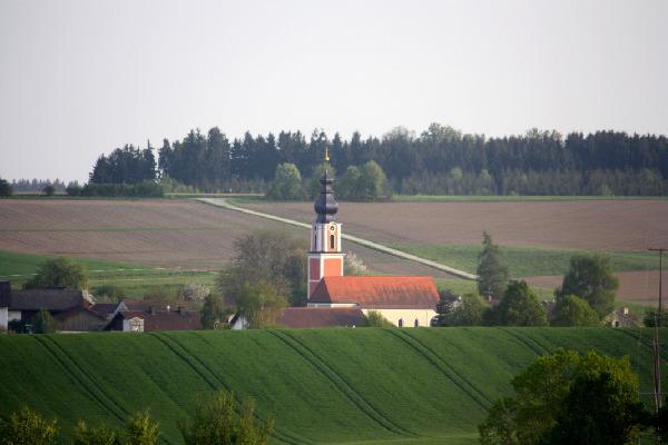 2012 Kirche von Thal her