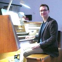 Kirchenmusiker Stefan Rohrmeier an der Orgel der Andreaskirche, Foto: Traudl Schröder