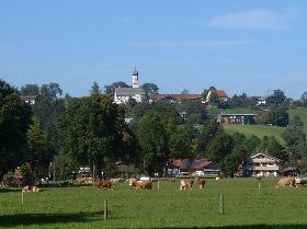 Blick von Pfistern auf Gaißach-Dorf