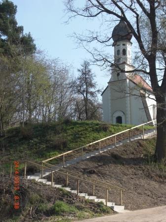 St. Georg mit Treppe 2013