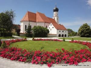 Pfarrkirche Obertaufkirchen Aussenansicht