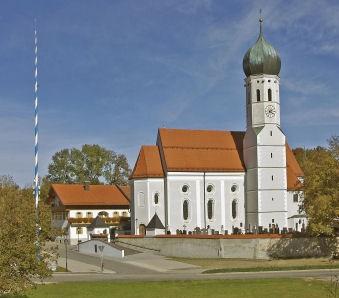 Ansicht außen Pfarrkirche St. Emmeram