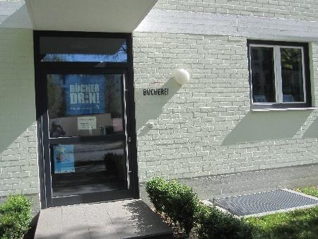 Bücherei Eingang