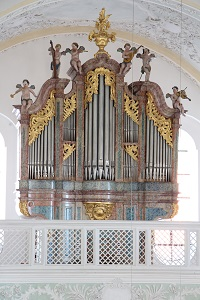 Orgel in ehem. Klosterkirche St. Michael in Attel
