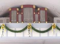 Orgel der Filialkirche St. Georg in Oberding, Pfarrei Niederding