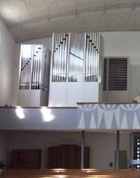 Orgel der Pfarrkirche Zum Allerheiligsten Welterlöser in Hebertshausen
