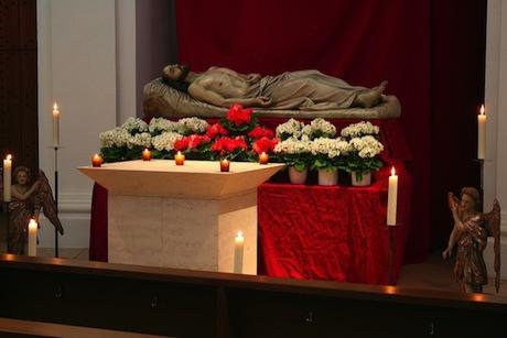 Heiliges-Grab-Schmerzhafte-Kapelle-460