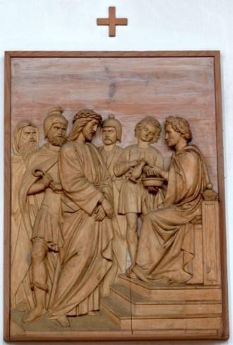 1. Station - Jesus wird zum Tod verurteilt - Pfarrkirche Palling