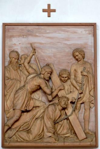 3. Station - Jesus fällt zum 1. Mal unter dem Kreuz Pfarrkirche Palling