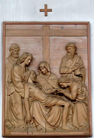 13. Station - Jesus wird vom Kreuz abgenommen Pfarrkirche Palling