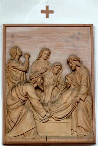 14. Station - Jesus wird ins Grab gelegt Pfarrkirche Palling