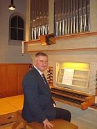 Schlesischer Organist an der Orgel in St. Otto