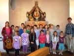 Kinderchor bei der Maiandacht für Kinder 2013
