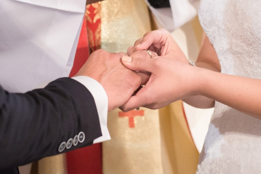 Eheschließung mit Priester