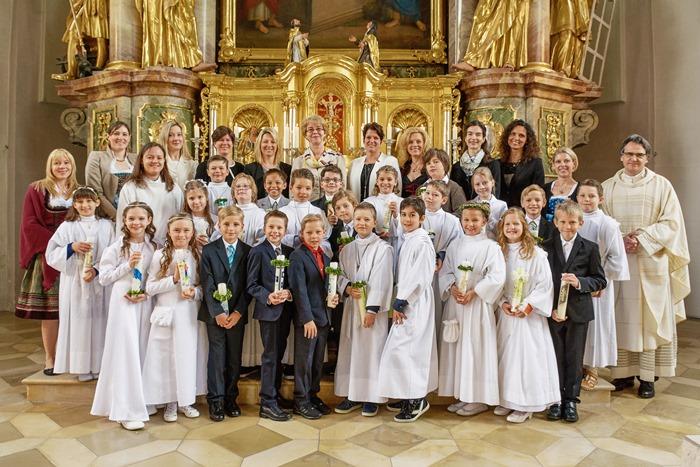 Gruppenbild Erstkommunion Warrtenberg