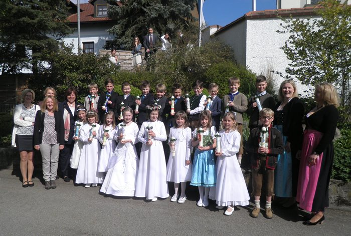 Gruppenbild Erstkommunion Berglern
