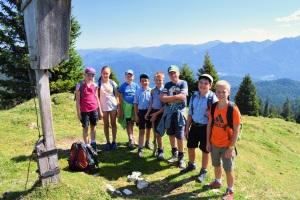 Gruppenfoto der Ministranten St. Jakob Wallgau Ausflug Wallgauer Alm