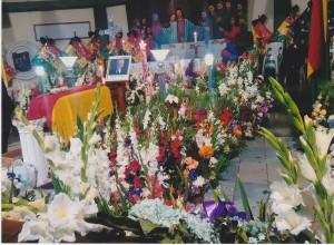 Blumen am Sarg