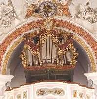 Hier sehen wir die Orgel mit den Pfeifen stellvertretend für unsere Kirchenmusik.