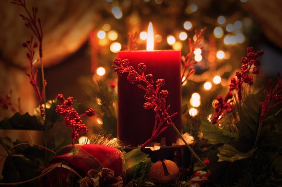 adventliches Gesteck mit Kerzen