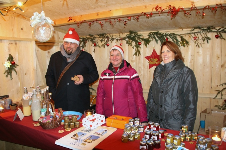 PVT_Advent_am_Schloss_Stand_2016_03