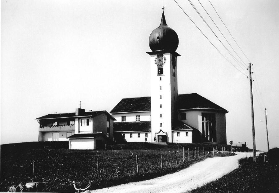Pfarrkirche Baierbrunn, ca. 1963