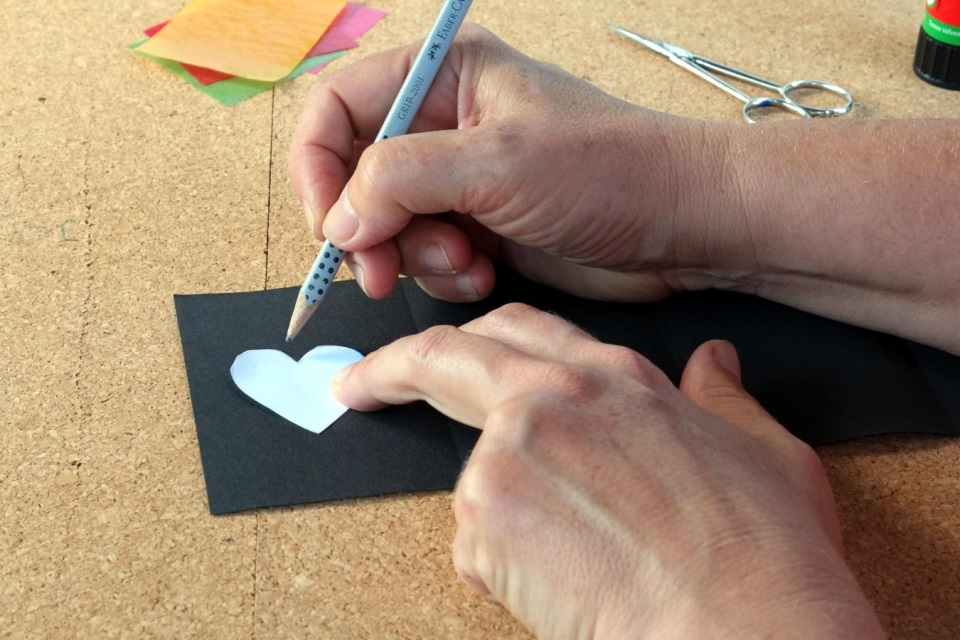 Laterne basteln Vorlagen mit Bleistift nachzeichnen