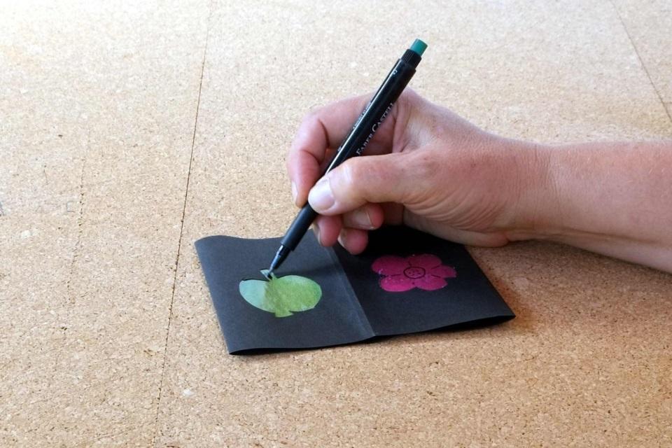 Laterne basteln Transparentpapier verzieren