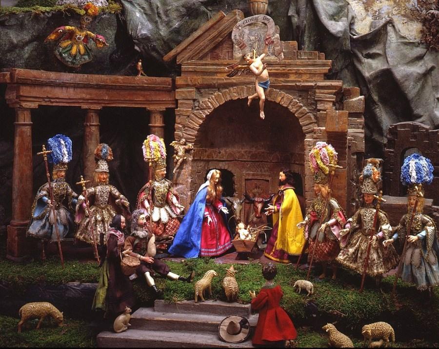 Elbach_Krippe 06_Geburt Jesu mit Cherubim
