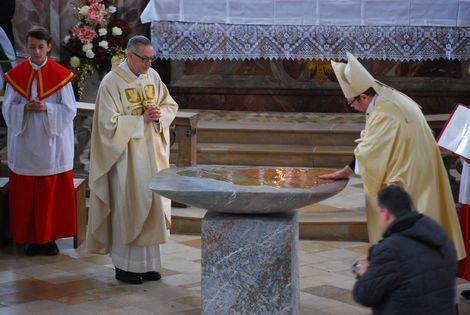 Altarsalbung