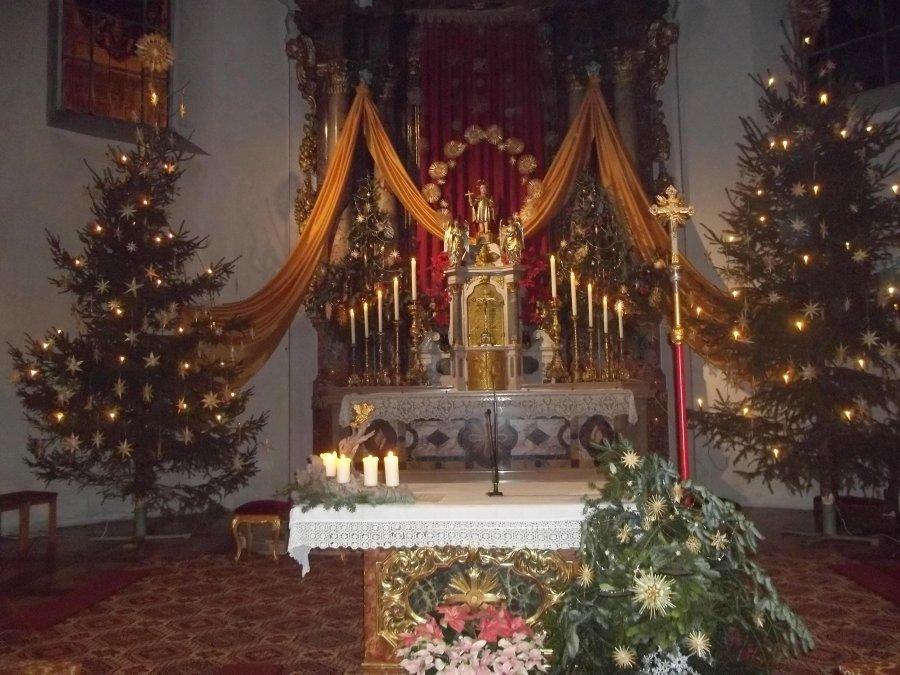 Weihnachtliche Heilig-Kreuz-KIrche