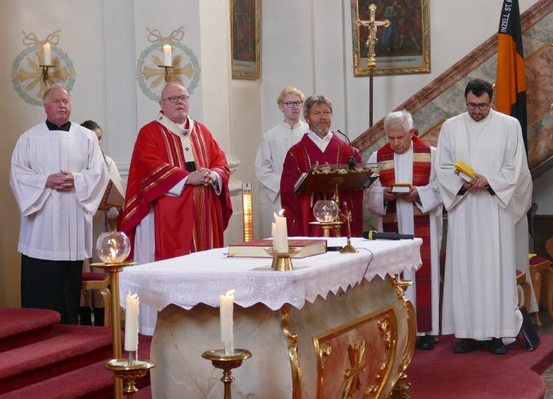 Firmung Geistlichkeit