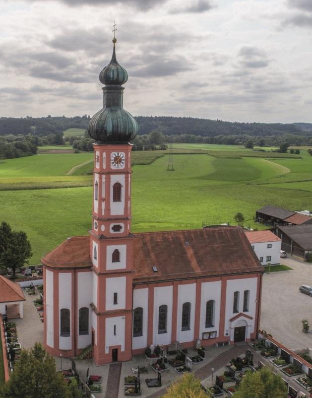 Kirchdorf.Drohne