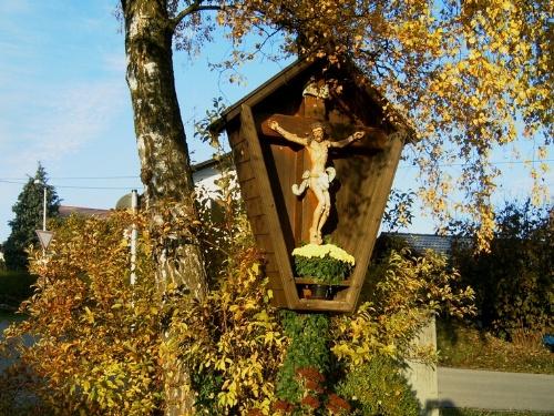 Feldkreuz in Leitenberg, Herbstaufnahme