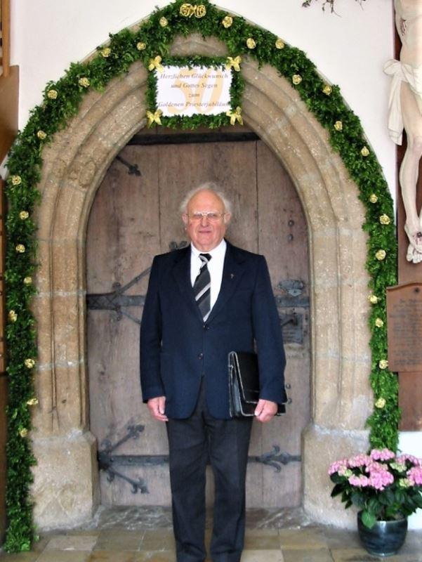 50. Priesterjubiläum von Pf. Kaiser am 23.05.2004
