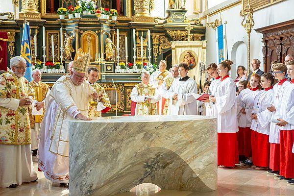 Altarweihe Maria Ramersdorf
