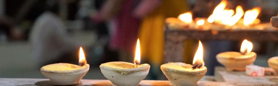 Kopfgrafik Brennende Kerzen