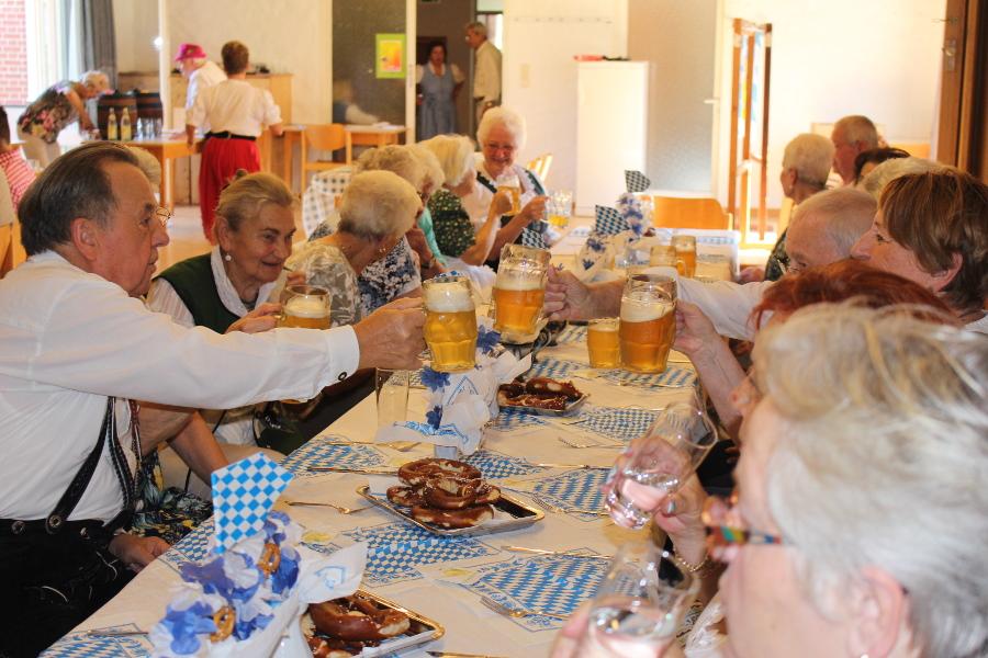 gemütliches Zusammensein beim Oktoberfest der Senioren im Oktober 2018