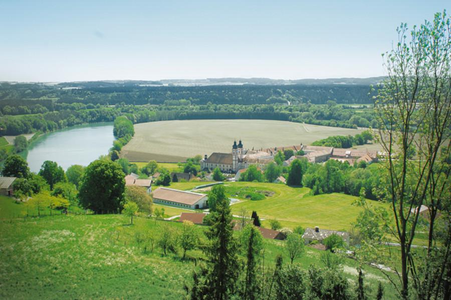 Blick auf Kloster Au