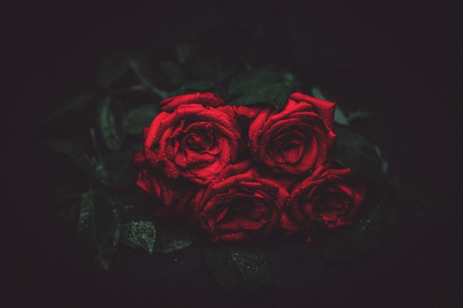 rote rosen_trauerstrauß