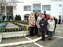 Osterbrunnen am Rathausplatz Ottobrunn